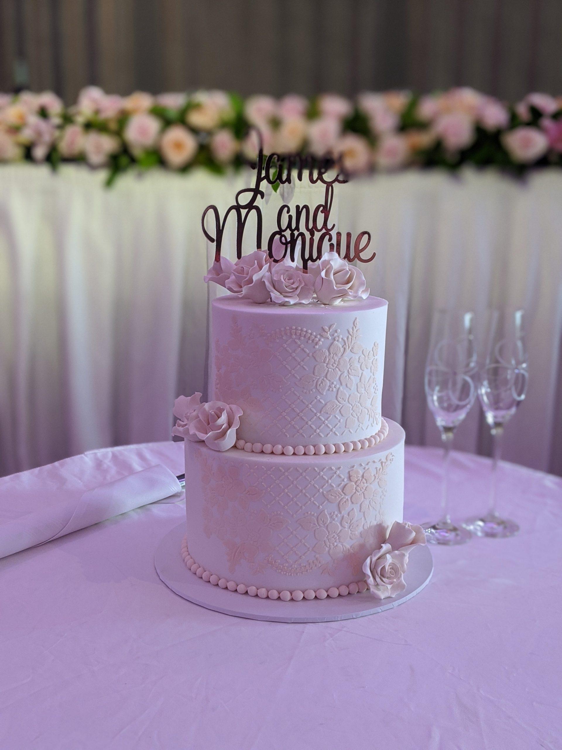 2 tier fondant cake. fondant wedding cake. sydney wedding cake