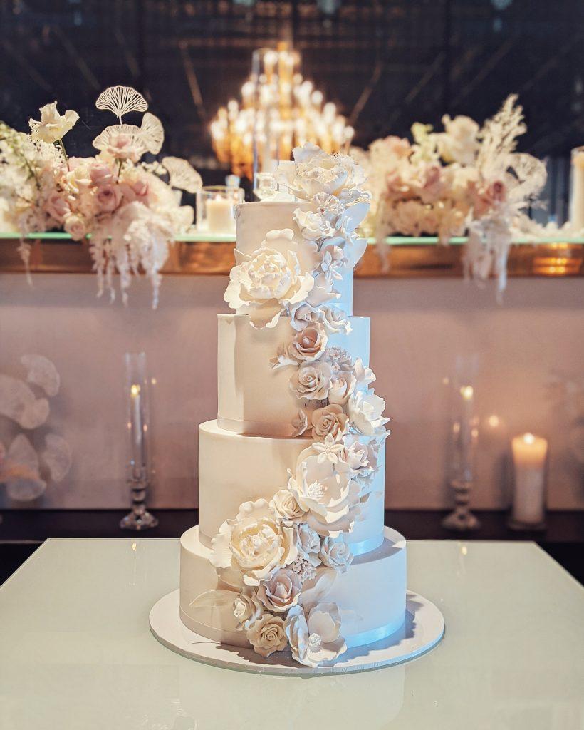 4 tier fondant cake with sugar flowers. sydney weddings. formal wedding.